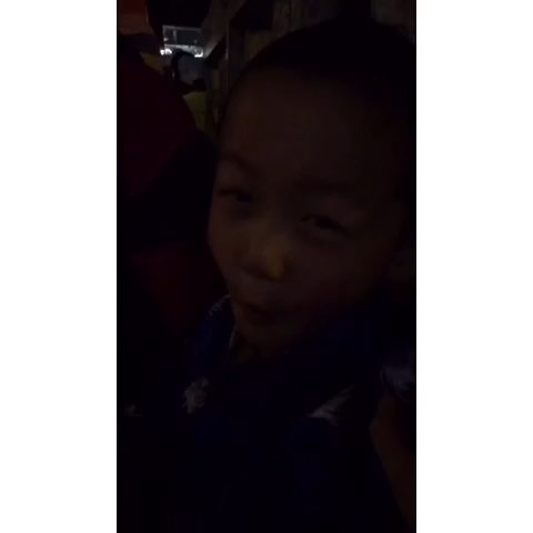 一句藏族不会的藏族小孩儿