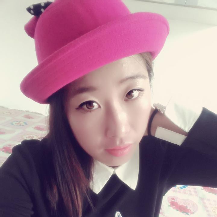 可爱的小粉帽