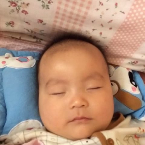 小孩睡觉素材矢量