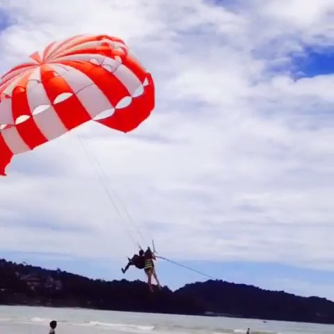 sailing sunglasses  parasailing