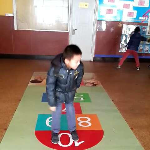 跳房子教案中班-幼儿园安全教育教案_幼儿园跳格子_20